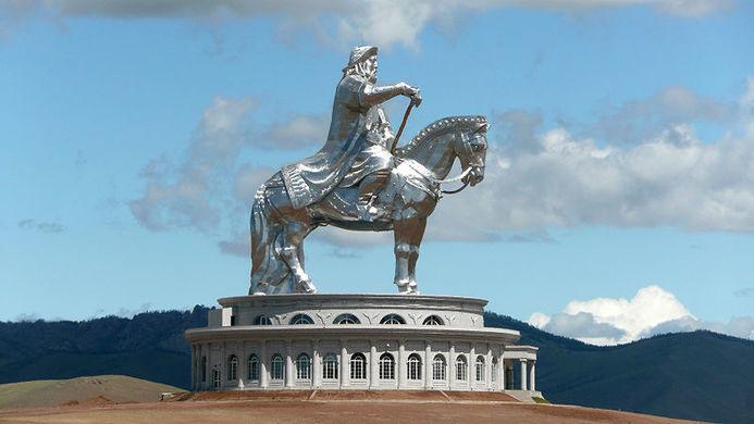 تمثال جنكيز خان
