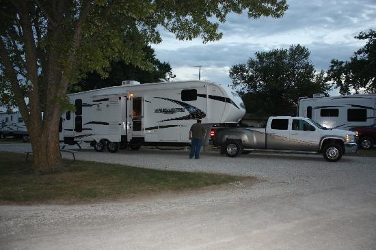 منتجع Des Moines West KOA RV Resort