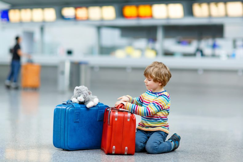 نصائح هامة وضرورية للسفر بأمان برفقة أطفالك في رحلاتك السياحية المقبلة