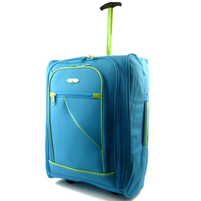 هذه الأغراض العملية يشتريها كل عشاق السفر حالياً: ستجعل رحلاتك مريحة وممتعة!