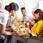 """هذا هو معدل نفقات واستثمارات """"طيران الإمارات"""" على الوجبات التي تقدمها لركابها"""