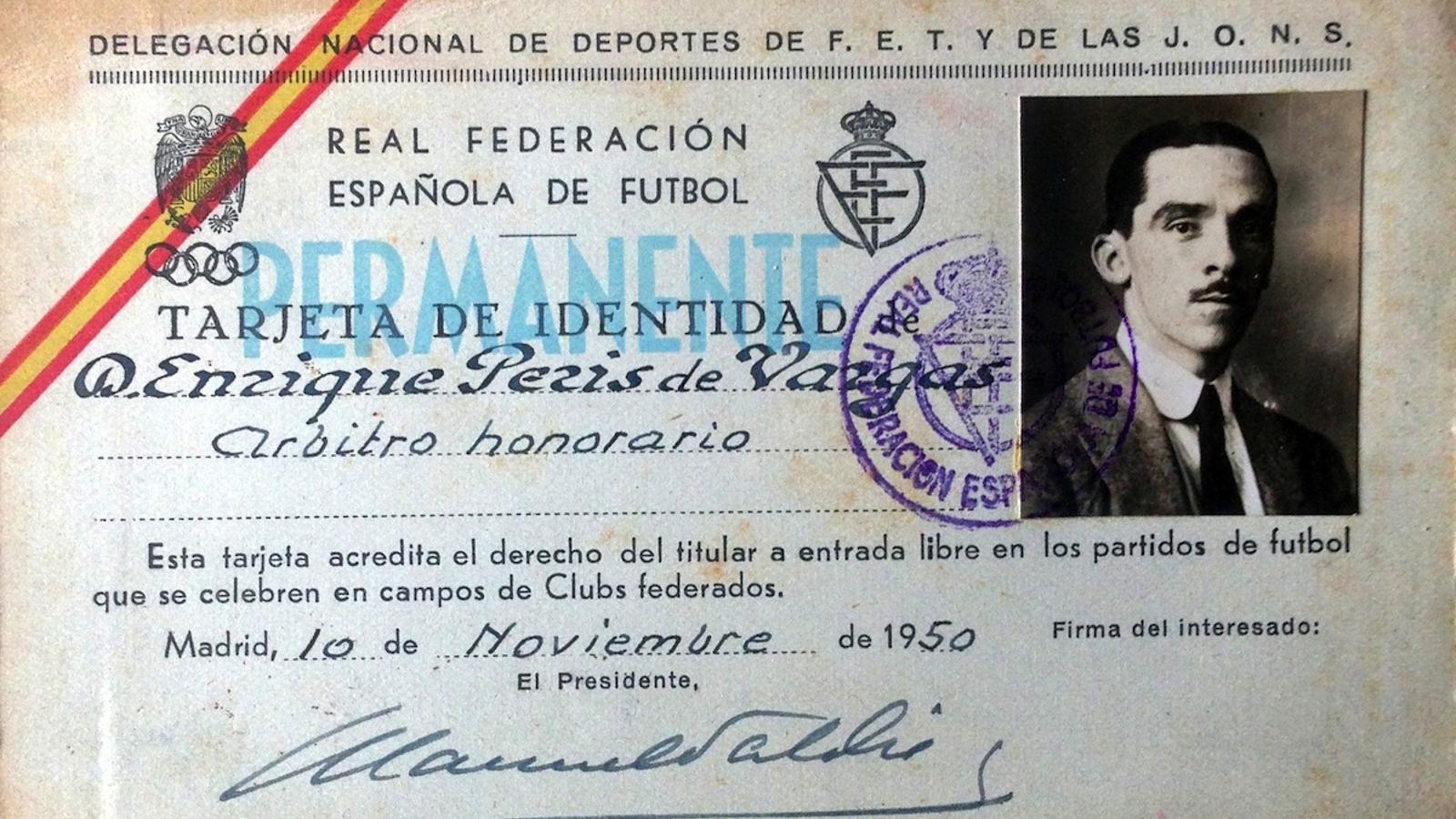 El carnet del Comitè d'Àrbitres que poseïa Enrique Peris de Vargas / ARXIU PERIS DE VARGAS