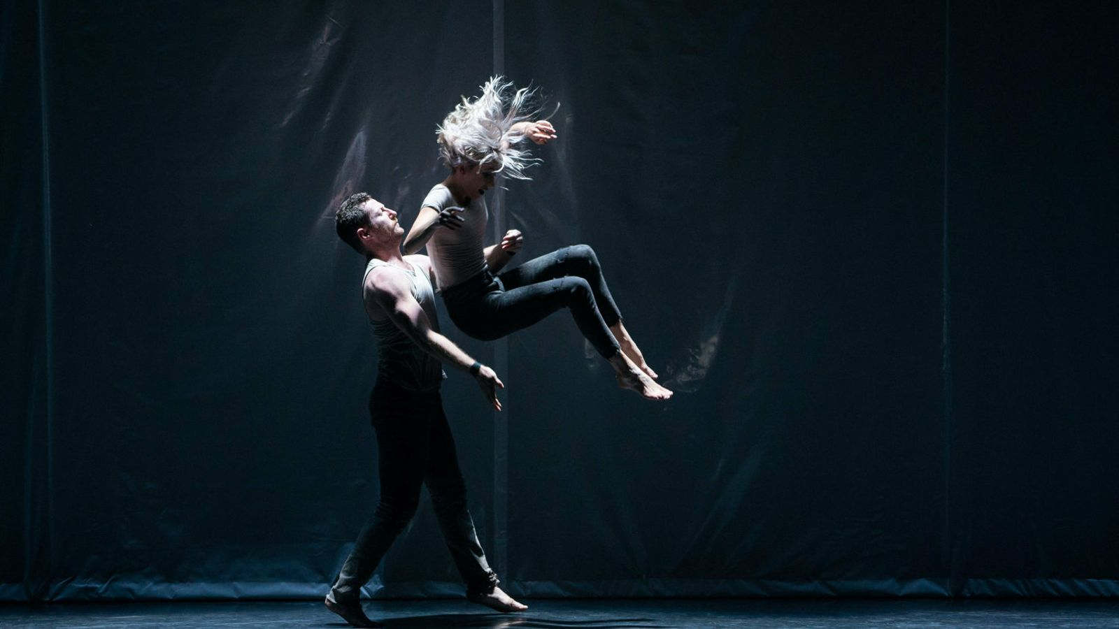 Circa trenca els límits de la dansa acrobàtica al Palau de la Música