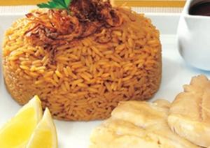 طريقة عمل أرز الصيادية بالسمك