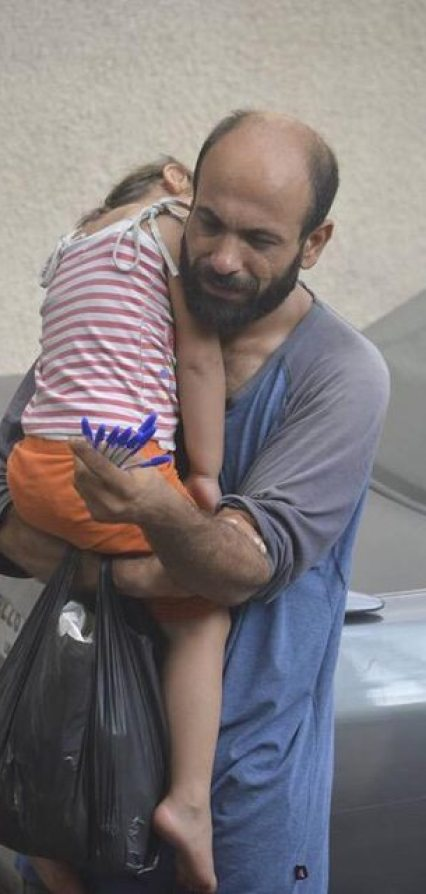 Viral Photo Of Syrian Refugee Prompts Hundreds To Help