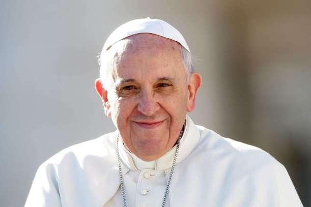 Pope Francis wishes Muslim community a happy Eid