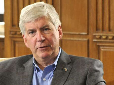 Snyder in talks on resettling Syrian refugees in Michigan