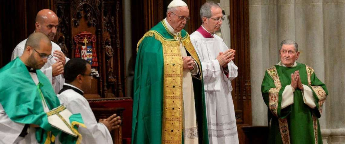 Francis Offers Prayers for Pilgrims Who Died During Hajj