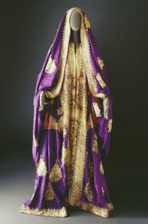 Come Explore The Dresses Of The Arab World