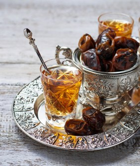 8 Best Arab Teas and Their Benefits