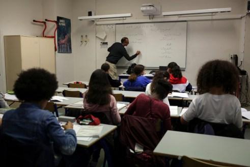 France Debates Where to Teach Arabic: Public School or Local Mosque?