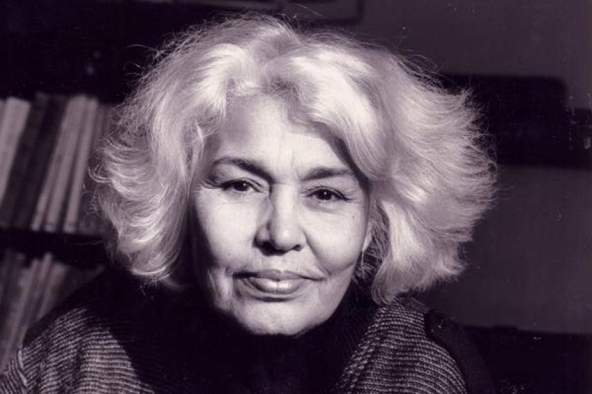 10 Modern Arab Writers Who Should Make Arabs Proud