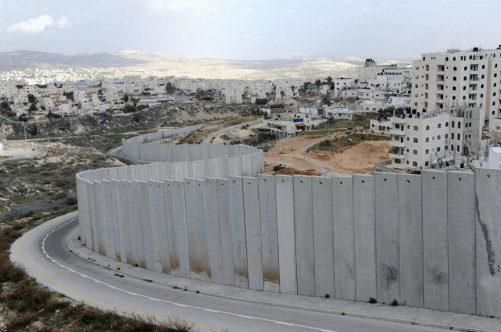 Image: Had MLK witnessed the walls built in occupied-Palestine to oppress Palestinians, his pro-Israel opinion might have been more tempered (photo neogaf.com)