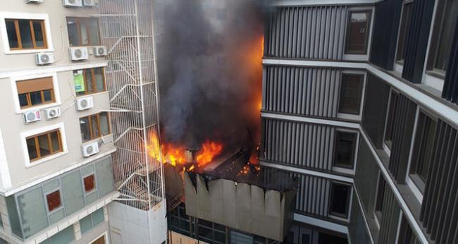 حريق يلتهم مستشفى خاص في إسطنبول وإعلان حالة الطوارئ 1