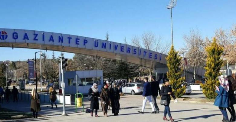 """ثلاثة منح دراسيّة في تركيا.. """"سبارك"""" تفتح أبواب التسجيل للطلاب السوريين"""