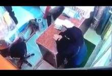 Photo of كاميرات المراقبة تسجل محاولة اغتصاب مصرية في الكويت.. ذئب بشري اعترضها وهذا ما حصل