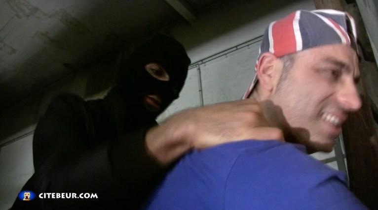 le-rebeu-walid-le-zobeur-baise-un-gay-dans-la-cave-17