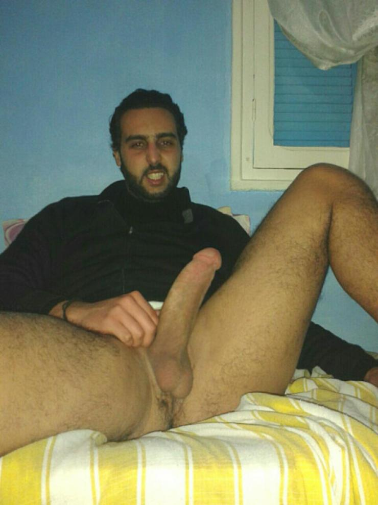 "real-hot-arab-guys: ""abdelbeur75: Beur amateurs """