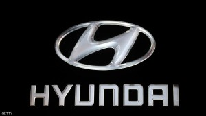 The Hyundai logo is pictured at the Auto Expo 2014 in Greater Noida on the outskirts of New Delhi on February 5, 2014. The 12th edition of the Auto Expo takes place from February 5-11. AFP PHOTO/ SAJJAD HUSSAIN (Photo credit should read SAJJAD HUSSAIN/AFP/Getty Images)