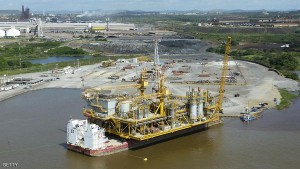 The first oil platform built in Venezuela by Venezuela's state-owned oil company PDVSA, in Orinoco, Venezuela on July 28, 2011. Venezuela will fulfill its compromise of co-financing with its Brazilian counterpart Petrobras the construction of the Abreu y Lima oil refinery that would process 240,000 oil drums per day, venezuela's Oil and Energy Minister Rafael Ramirez said on July 29, 2011. AFP PHOTO/Ramon SAHMKOW (Photo credit should read RAMON SAHMKOW/AFP/Getty Images)