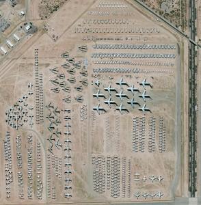 أكبر منشأة لتخزين الطائرات في العالم في قاعدة ديفيس-مونتان في توكسون