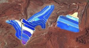 برك التبخير في صحراء يوتا