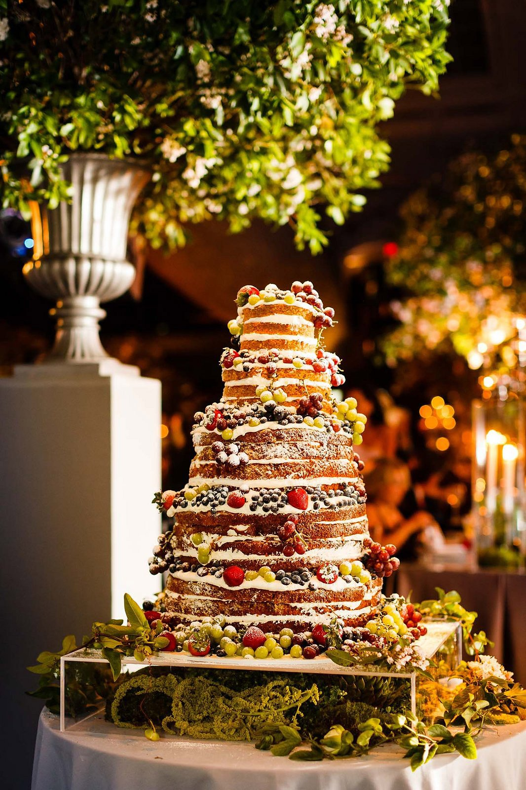 The Most Fabulous Wedding Cakes In Vogue Arabia Weddings