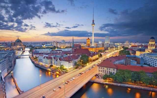 Berlin-overview-cityscape-xlarge.jpg