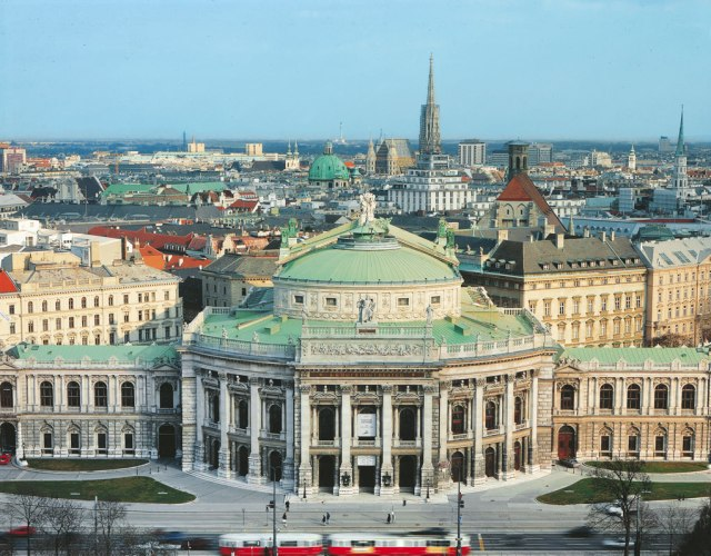 Vienna-Opera-House.jpg