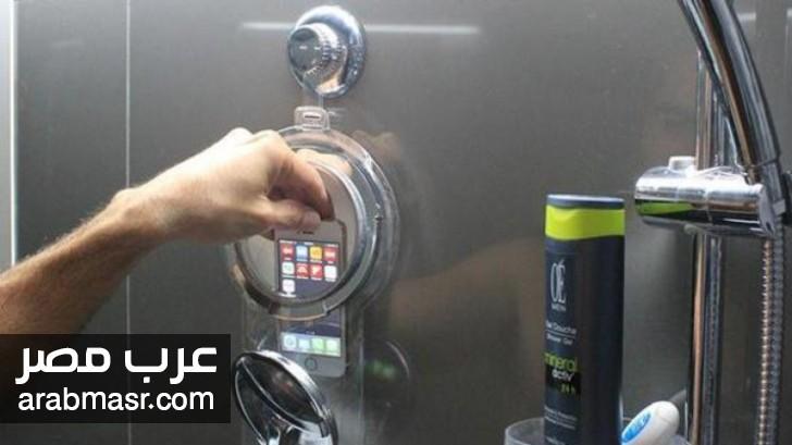 مخاطر استخدام الموبايل في الحمام