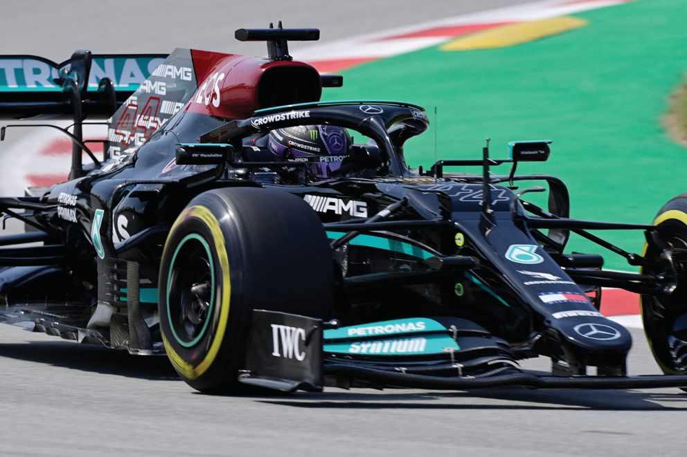 Hamilton tops second practice in Spanish Grand Prix