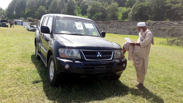 Pakistan Auctions 102 Luxury Vehicles Of Prime Minister House Under