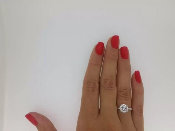 1.00 Ct Round Cut DVs Diamond Solitaire Engagement Ring 14K White Gold 4