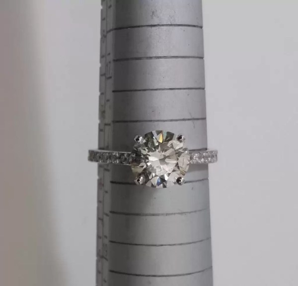 1.50 Ct Round Cut DSi1 Diamond Solitaire Engagement Ring 18K White Gold 4