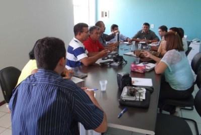 Prefeito Kerginalo Pinto discute propostas para educação com Sindicado