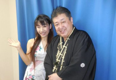 富山きときと寄席 女性マジシャン派遣