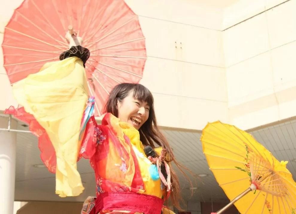 ひたち国際大道芸フェスティバルでマジックパフォーマンス