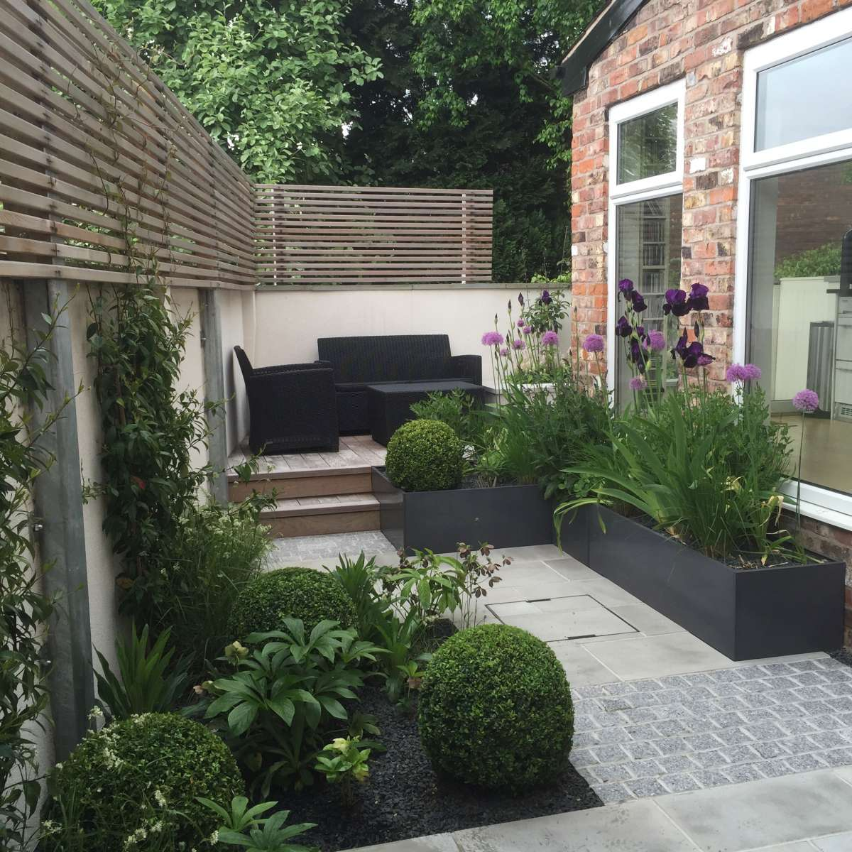 BOWDEN HOUSE NEAR MANCHESTER | Aralia Garden Design ... on Terraced House Backyard Ideas id=72137