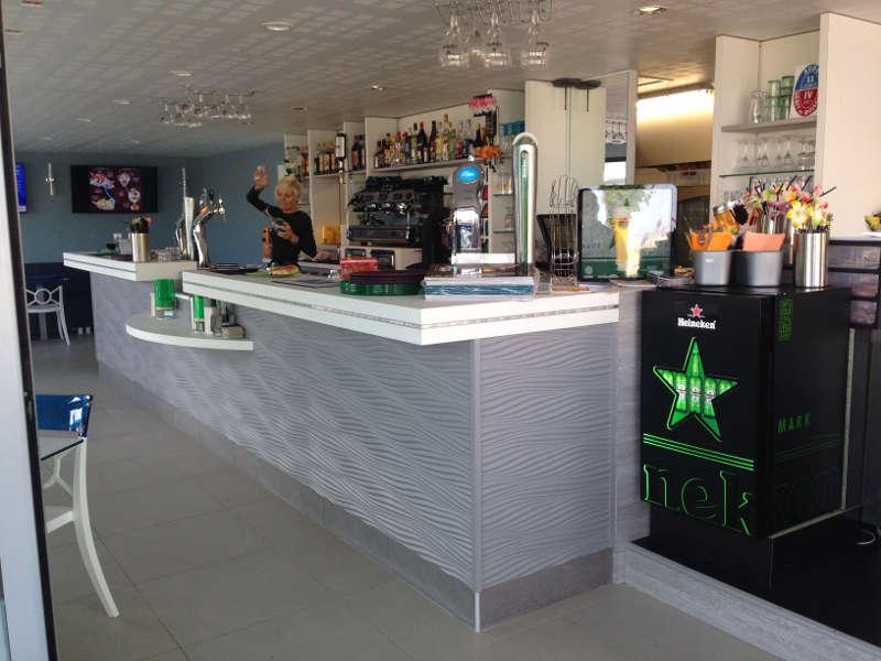 Comptoir bar-glacier à Narbonne-Plage