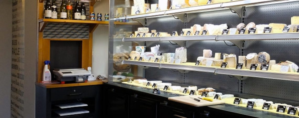 meuble sur mesure pour caisse et balance de la fromagerie Chez Juliette à Blagnac