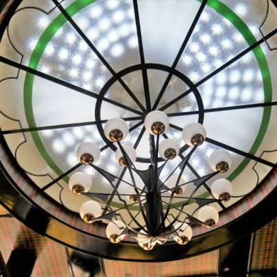 Coupole centrale au restaurant de l'entrecôte à Nantes