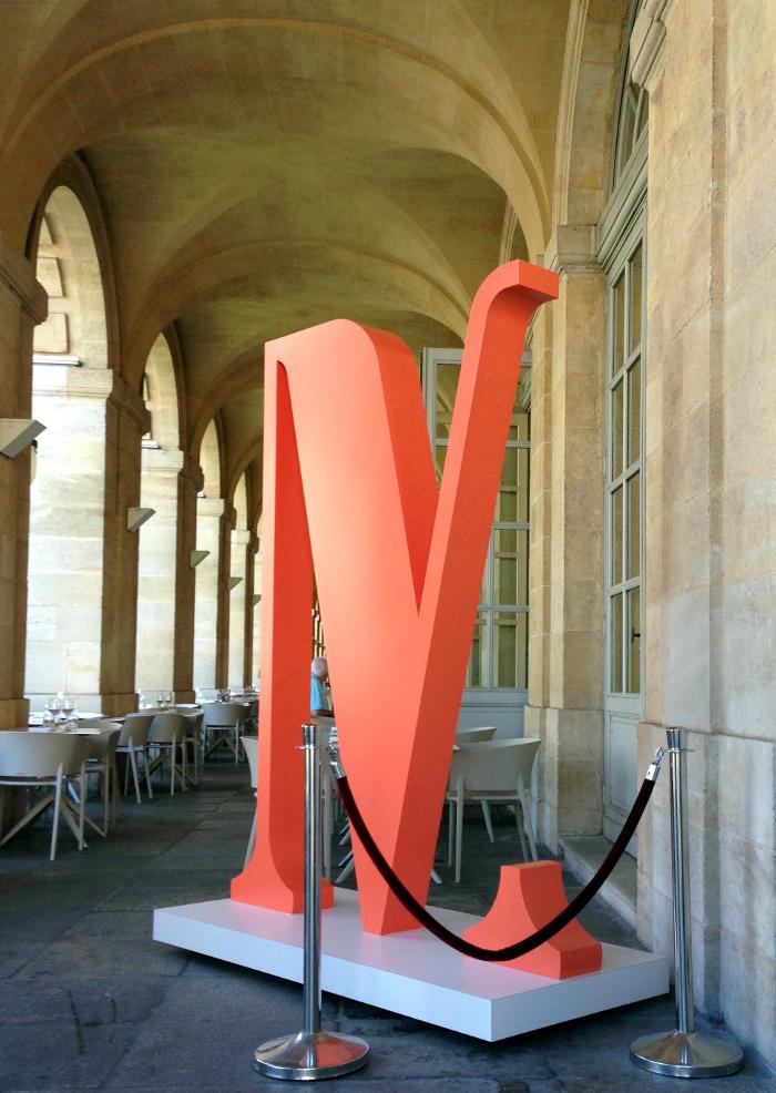 Sculpture en matériaux composites pour le 4ème Mur