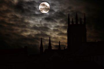 full moon 2097326 1920 - Literatura gótica | 8 títulos fundamentales