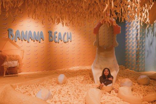 "ALT=""banana beach room at the dessert museum"""