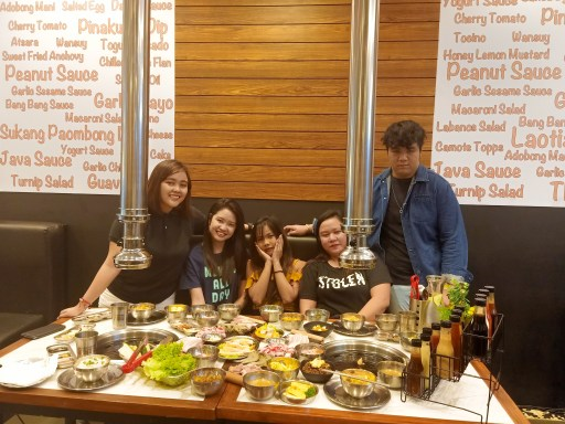 """ALT=""""where to eat in sm bacoor hungry jomo"""""""