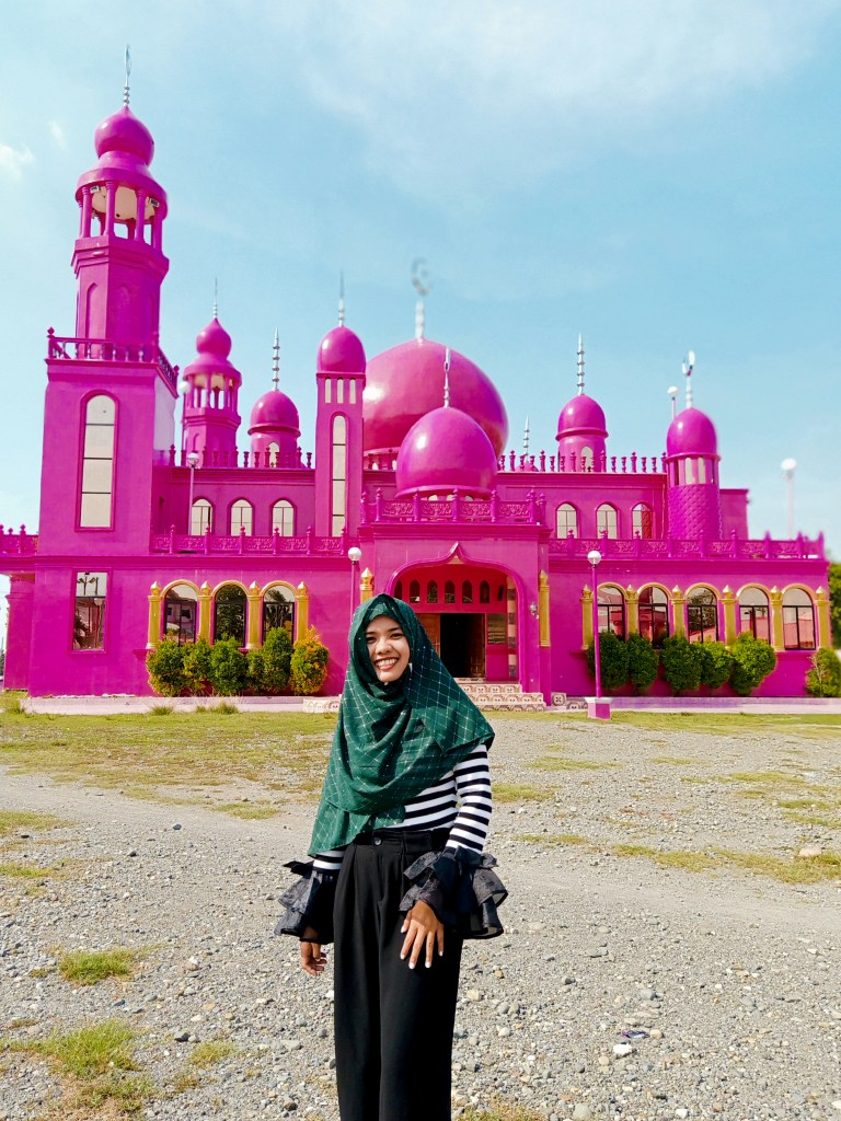 "ALT=""soccksargen diy backpacking pink mosque"""