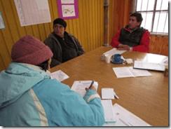 Funcionarios municipales atienden peticiones de vecinos d zona rural que está afectada por nevadas