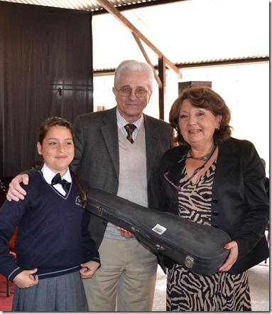 director entrega violin