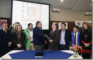 Ministro Undurraga histórico convenio en La Araucanía 22.05.2015