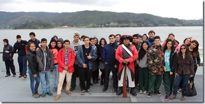 FOTO jóvenes visitan empresa papelera 1